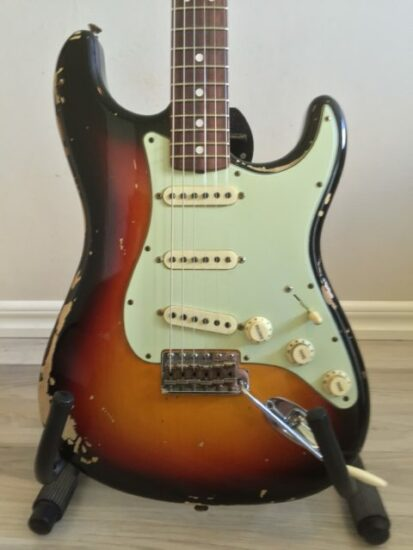 Fender Stratocaster 1968 Aged Relic Michael Landau signature - front zoomed